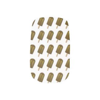 棒のMinxのチョコレート・アイス・クリーム ネイルアート