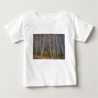 森の歩行 ベビーTシャツ