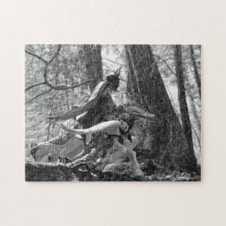 森を通って疾走している白黒騎士 ジグソーパズル