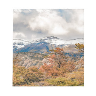 森林およびSnowy山、パタゴニア、アルゼンチン ノートパッド
