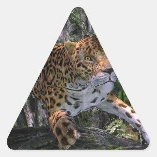森林で跳躍しているジャガー 三角形シール