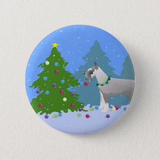 森林のクリスマスツリーを飾っているシュナウツァー 5.7CM 丸型バッジ