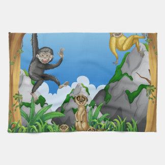 森林の猿そしてmeerkats キッチンタオル