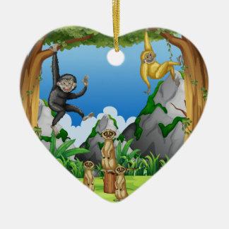 森林の猿そしてmeerkats セラミックオーナメント