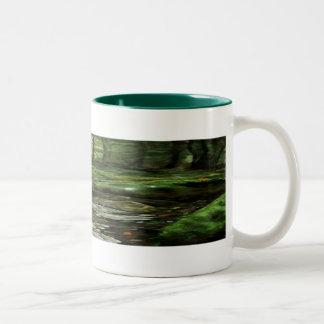森林マグでさまようこと ツートーンマグカップ