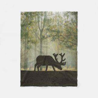 森林絵のアメリカヘラジカ フリースブランケット