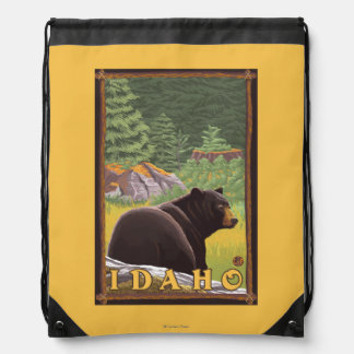 森林-アイダホのツキノワグマ ナップサック