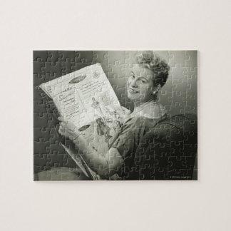 椅子に坐っている女性 ジグソーパズル