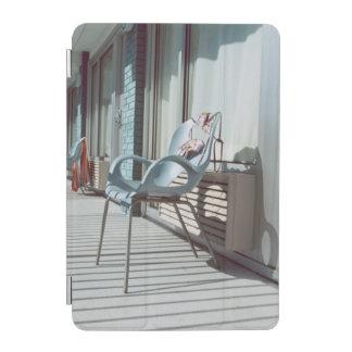 椅子の外側のビーチのホテルの部屋 iPad MINIカバー