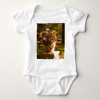 植木鉢の整理の乳児のクリーパー ベビーボディスーツ