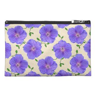 植物の青いゼラニウムの花 トラベルアクセサリーバッグ
