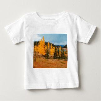 《植物》アスペンの回転の分かれること ベビーTシャツ