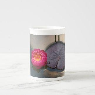 《植物》スイレン ボーンチャイナカップ