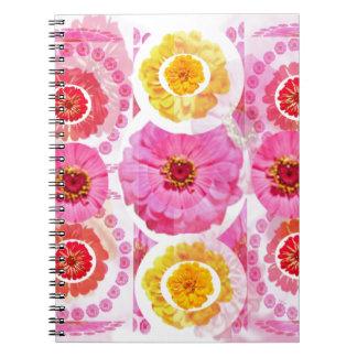 《植物》百日草の花のコラージュ-芸術的な変形 ノートブック