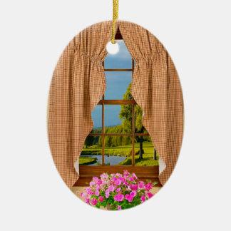 楕円形のオーナメントのためのコテージの窓のイメージ セラミックオーナメント