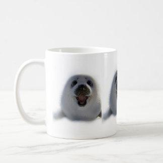 極度のかわいく熱狂するで愛らしい子どものアシカの子犬のコーヒー・マグ コーヒーマグカップ