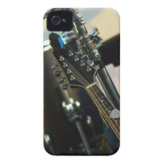 楽器音楽はギターの楽器をドラムをたたきます Case-Mate iPhone 4 ケース