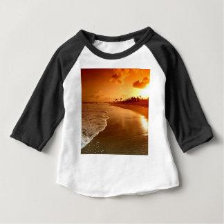 楽園のビーチハワイ ベビーTシャツ