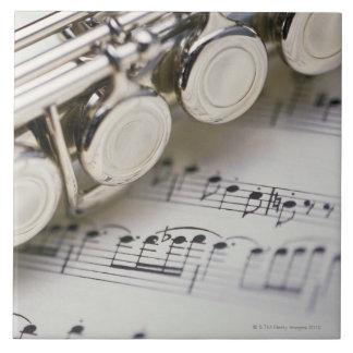 楽譜のフルート タイル