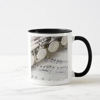 楽譜のフルート マグカップ