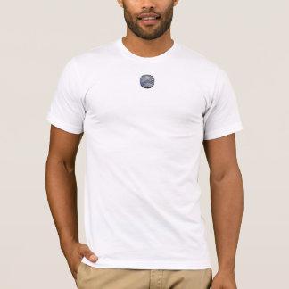 槌で打たれる Tシャツ