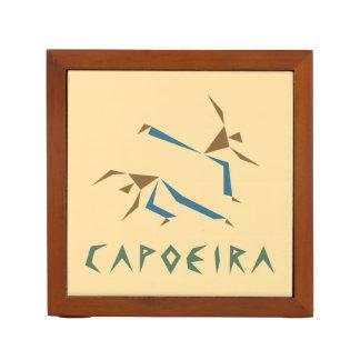 様式化されたCapoeira ペンスタンド