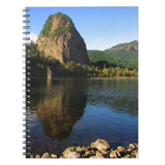 標識の石の州立公園、コロンビア川の峡谷 ノートブック