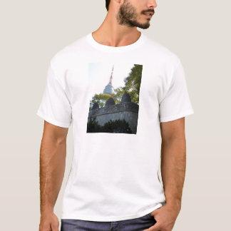 標識を通したソウルNamsanタワー Tシャツ