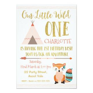 模造のなグリッターの野生の1匹のキツネの第1誕生日の招待状 カード