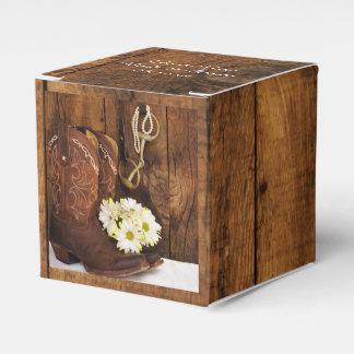 模造のな納屋の木製のカウボーイ・ブーツのデイジーの馬の結婚式 フェイバーボックス