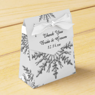 模造のな銀製の雪片の冬の結婚式の引き出物箱 フェイバーボックス