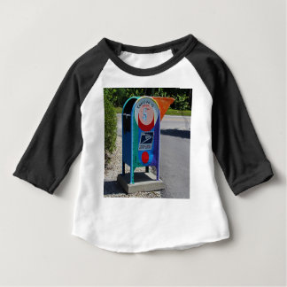 横のCaptivaの島のポスト ベビーTシャツ