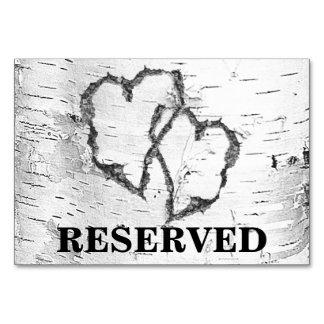 樺の木のハートの予約結婚式のテーブルの印 カード