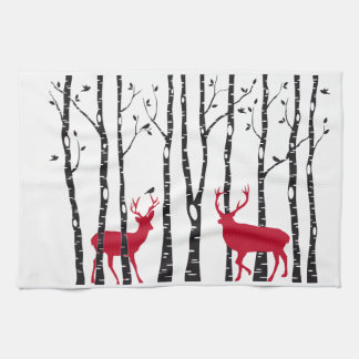 樺の木の森林のアカシカ キッチンタオル