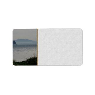 樺の木湾からのシャチの島 ラベル