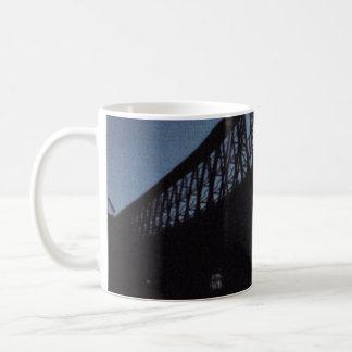 橋シルエット コーヒーマグカップ