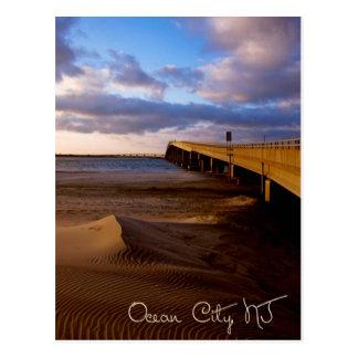 橋郵便はがきの海都市ニュージャージーの日没 ポストカード