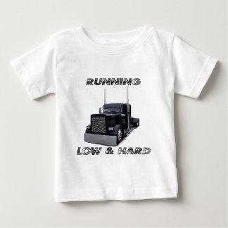 欠乏の& 懸命 ベビーTシャツ