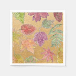 欠陥の金ゴールドの秋のカラフルな葉によってはナプキンがパーティを楽しみます スタンダードカクテルナプキン
