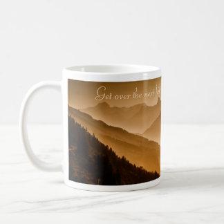 次の丘を越して下さい- コーヒーマグカップ