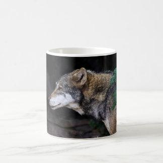 欧亜のオオカミ コーヒーマグカップ