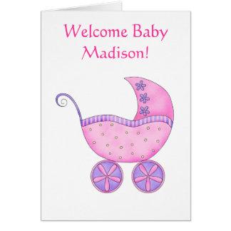 歓迎された女の赤ちゃんの名前の名前入りなピンクの乳母車 カード