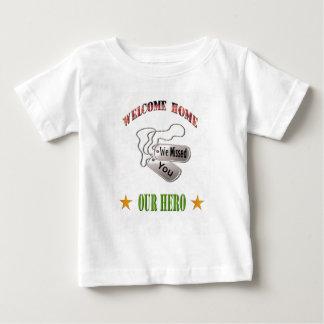 歓迎された家私達の英雄の幼児のワイシャツ ベビーTシャツ