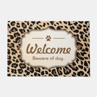 歓迎は犬-ヒョウのプリントの装飾の用心し、 ドアマット