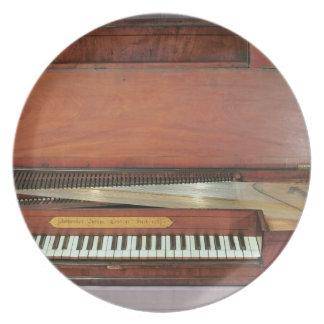 正方形のピアノ1767年(写真) プレート