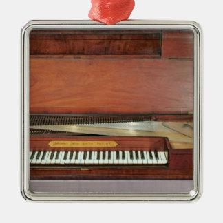 正方形のピアノ1767年(写真) メタルオーナメント