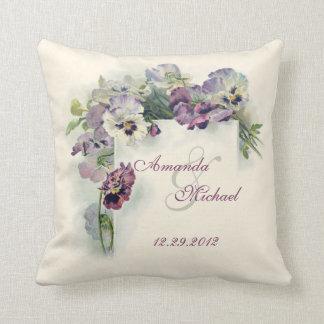 正方形の装飾用クッションを結婚している紫色のパンジー クッション