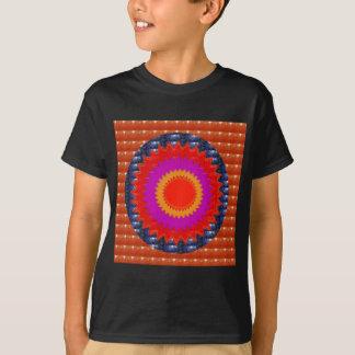 正方形は輝きの水晶球根のチャクラのギフトを円形にします Tシャツ