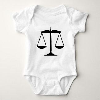 正義(法律)のはかりで測られる ベビーボディスーツ
