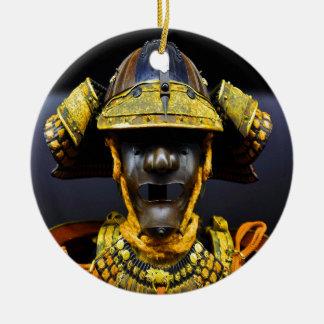 武士のスーツのヘルメット胸プレートの古い古代 セラミックオーナメント